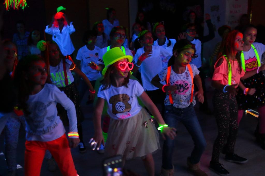 Petreceri Glow Tineretului